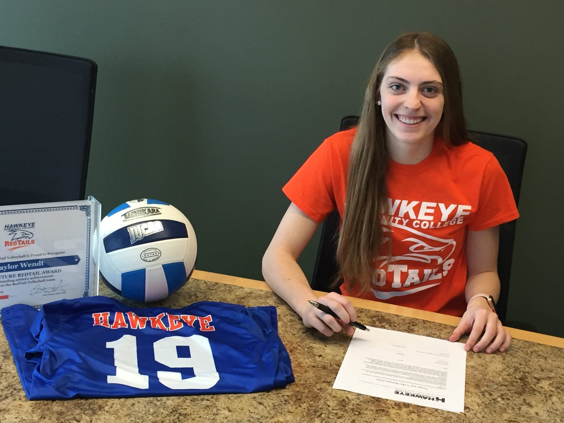 wendt signs to play volleyball